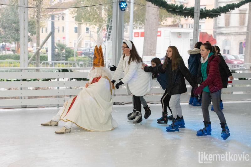 LEDENA BAJKA Uz sv. Nikolu otvoreno klizalište na Trgu kralja Tomislava