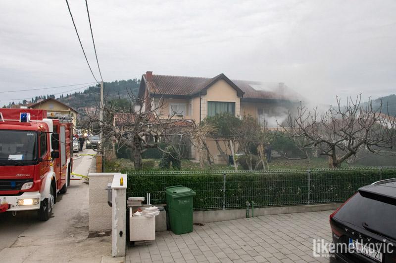 Izbio požar u obiteljskoj kući u Ulici I. L. Ribara