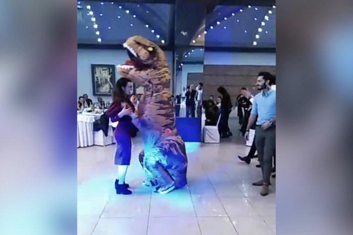 GABELA POLJE Hercegovačka svadba za pamćenje – zvijezda večeri bio je dinosaur