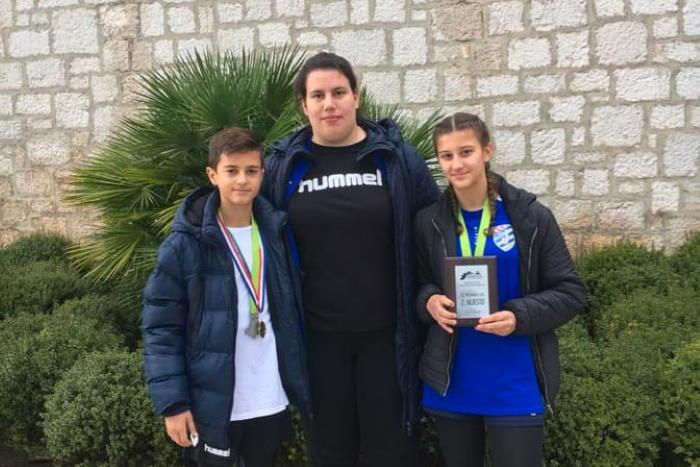 Uspješan nastup mladih metkovskih atletičara u utrci 'Runesco' u Šibeniku