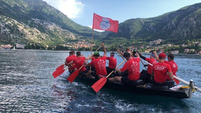 Završio plov Metković – Kotor dug 280 km: lađari Sv. Ilije su uplovili u kotorsku luku